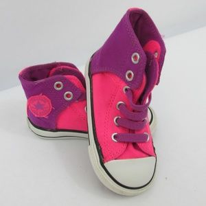Girls High Top Converse size 6 elastic laces pink